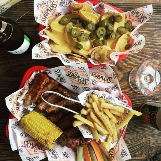 SKYWINGS Chapultepec: cerveza, alitasy buenavibra